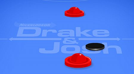 Game's screenshot - Drake And Josh Air Hockey